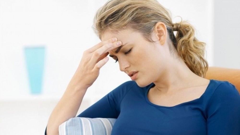 Боль в области брови над глазом: причины и лечение. Болит лоб в области бровей