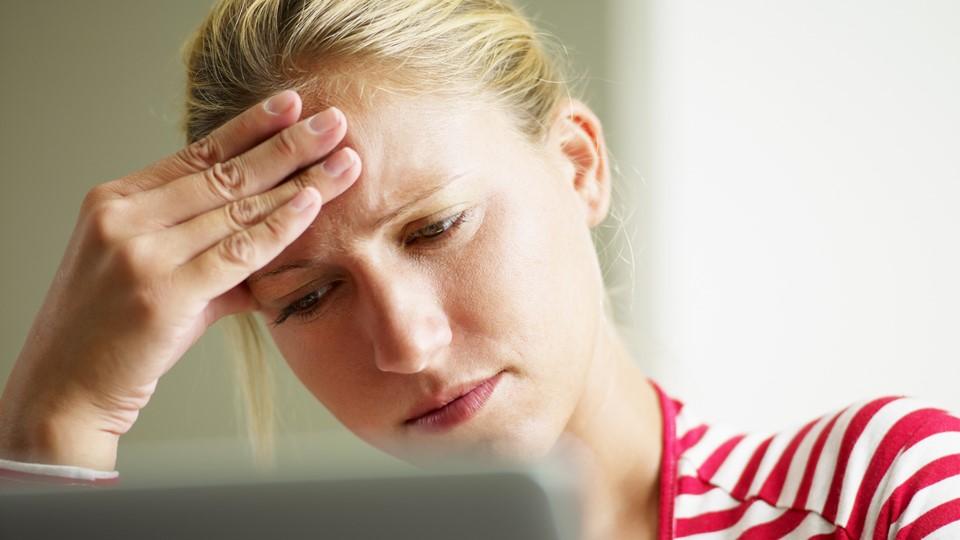 Болит голова больше недели